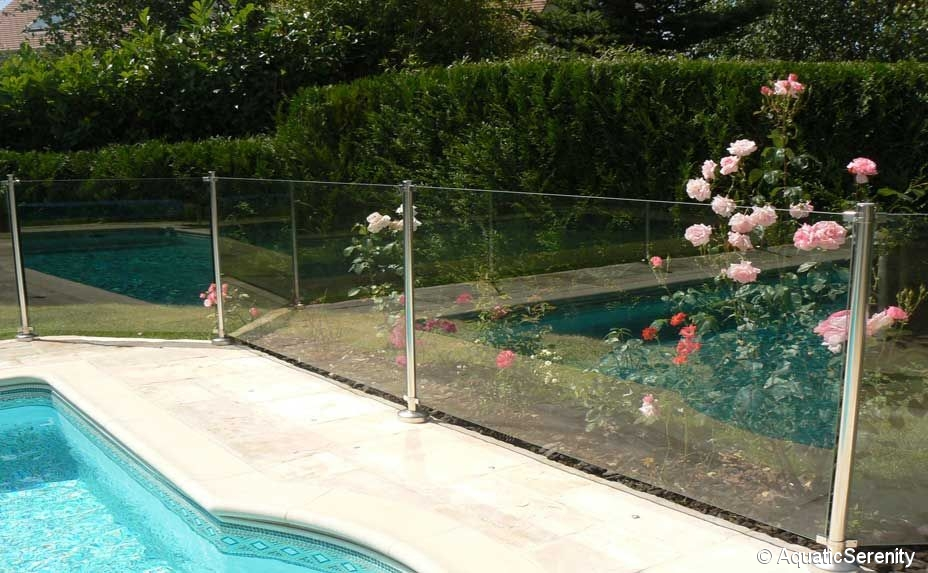 Barri re de s curit protection piscine inox et verre tremp oc anix vente de piscine coque - Verre filtrant piscine ...