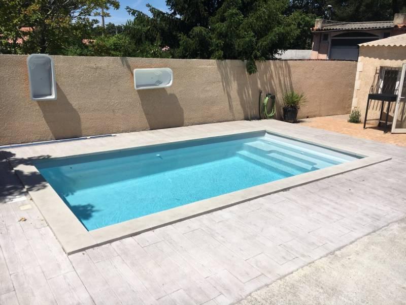 piscine coque fond plat m tres lac vert vente de piscine coque martigues neptune. Black Bedroom Furniture Sets. Home Design Ideas